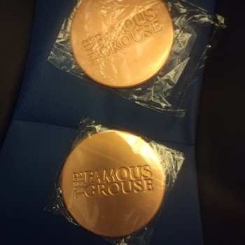 Famous Grouse thats the Whisky, metal coaster type plates with unknown function - Advertising