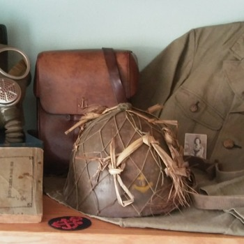 WW II Imperial Japanese Marine and Navy Items. - Military and Wartime