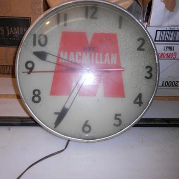 Vintage Macmillan Ring Free Oil Clock