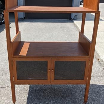 Mid Century Modern furniture. - Furniture