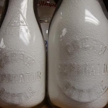 EMBOSSED SALESMAN SAMPLE CREAM SEPERATOR MILK BOTTLE QUART & PINT SIZE - Bottles