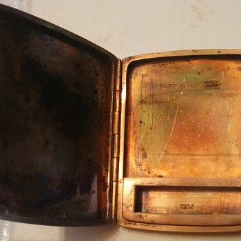 A & Co Ltd 1931 gold matchsafe - Tobacciana