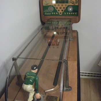 Evans Ten Strike Arcade Game - Sporting Goods