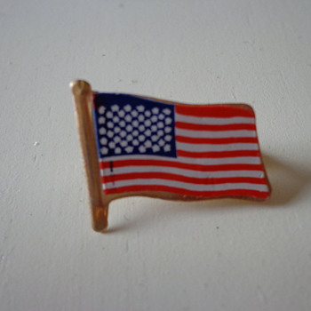 Vintage American Flag Pin - Medals Pins and Badges