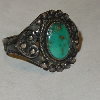 Does anyone know how old this ring might be or anything about it? - Fine Jewelry