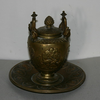 Inkwell, French, circa 1800-1850 - Pens