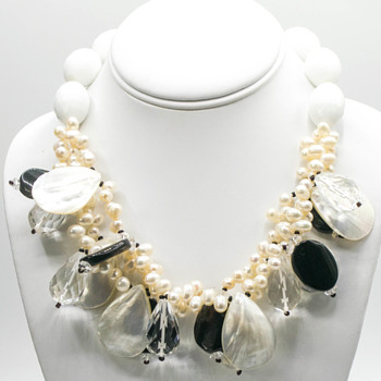 Not sure exactly what I have here. But it sure is pretty! - Costume Jewelry