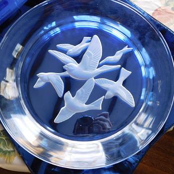 Birds in Flight glass plate - Art Glass