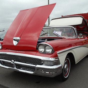 1958 Ford Fairlane 500 Skyliner - Classic Cars