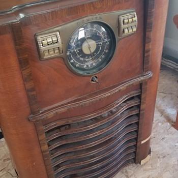 Vintage Radios | Collectors Weekly