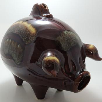 Hull U.S.A. POTTERIES 197 - Piggy Bank - Pottery