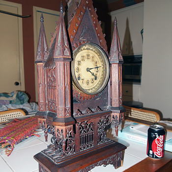 New Haven Gothic clock from 1885-90 - Clocks