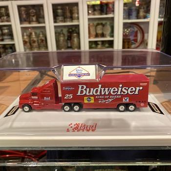 Budweiser matchbox truck - Breweriana