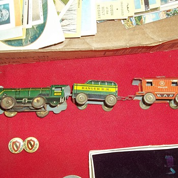 PRESSED TIN WIND UP TRAIN