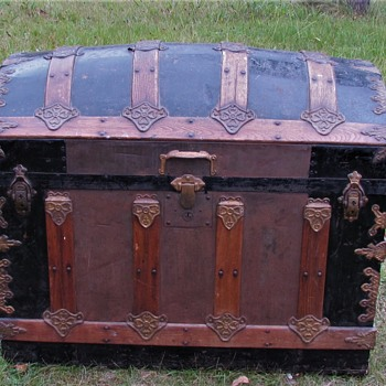 "34"" Victorian Ornate  Barrel Top Trunk - Furniture"