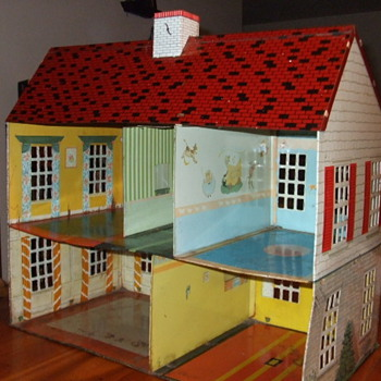 Tin Doll House - Dolls