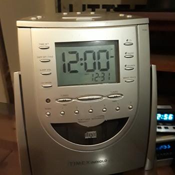 "TIMEX ""INDIGLO"" clock radio/CD player/'sound machine' - Clocks"