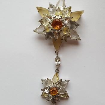 Stunning Christian Dior 1958 dangle brooch - Costume Jewelry