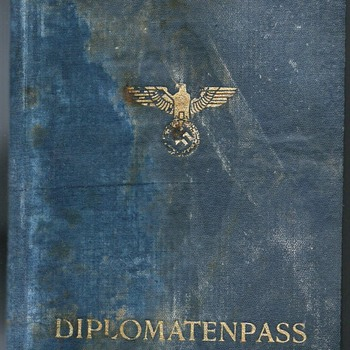 1943 German Diplomatic passport - Paper