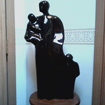 Henry Moore Inspired Family Group Figure / Black Ceramic / Unknown Maker and Age - Figurines