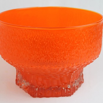 Unknown orange bowl - Art Glass