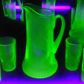Green Uranium Corded Optic Pitcher & Tumblers - Glassware