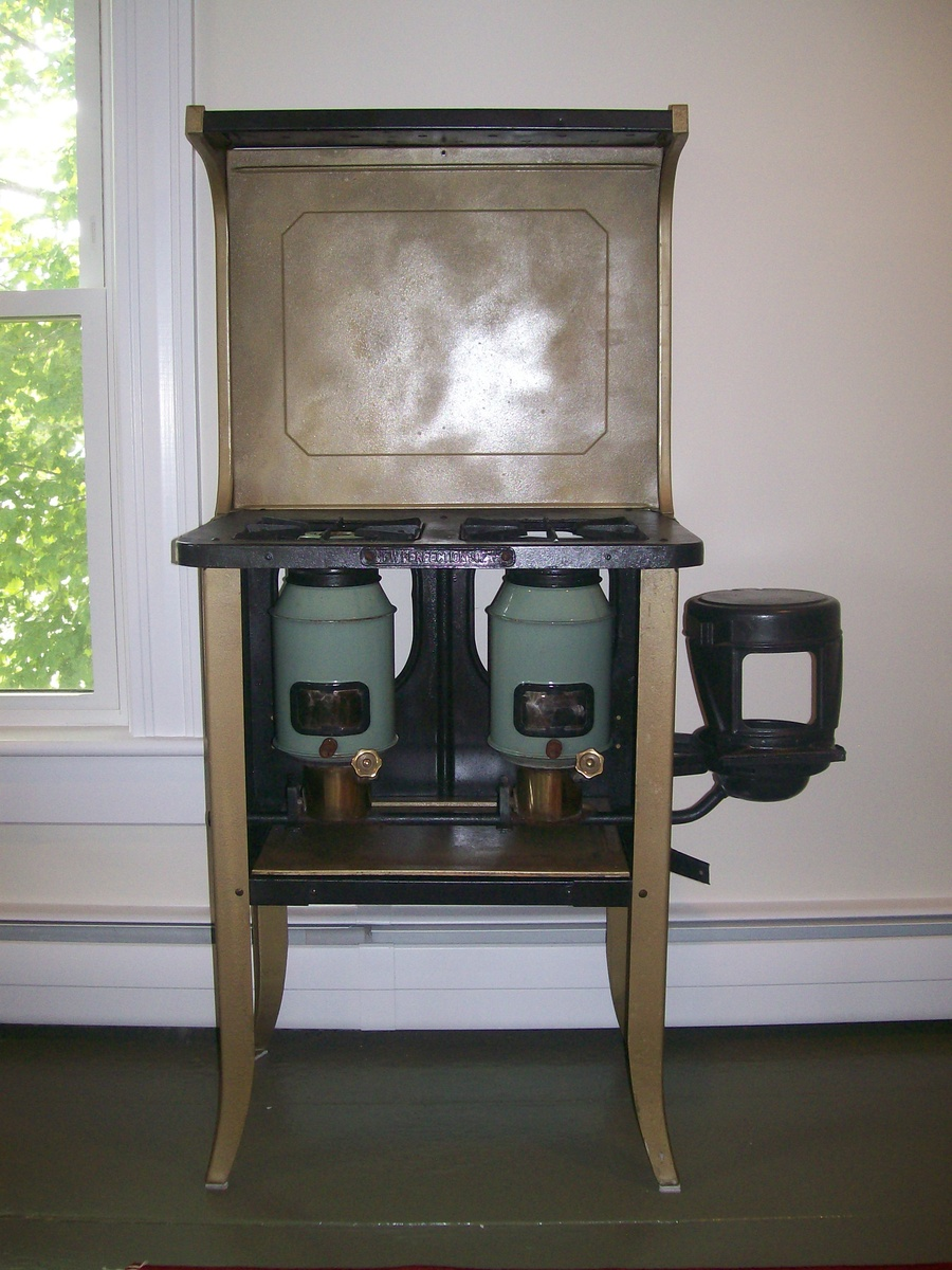 New Perfection 502 Kerosene Stove | Collectors Weekly for Kerosene Cook Stove  110zmd