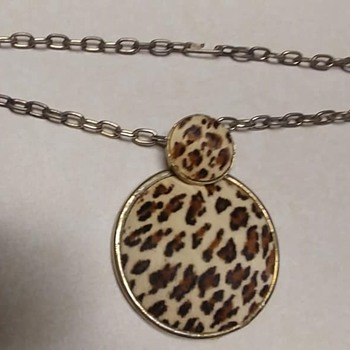 Vintage Necklace With Only One Clip On Earring - Costume Jewelry