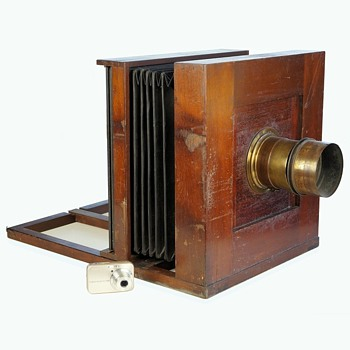The Good Old Days!? A huge 1850s collodion American field camera