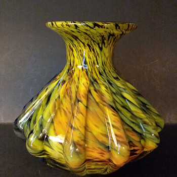 Iwata ribbed vase, 1950s-1960s - Art Glass