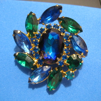 D&E Blue & Green Rhinestone Brooch with Large Center Stone - Costume Jewelry