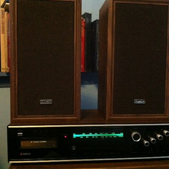 MGA Model SA-80 AM/FM/8-Track Stereo system