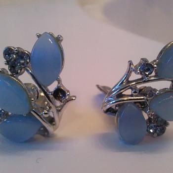 JayCraft Clip-On Earrings - Costume Jewelry