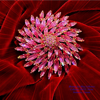 SHERMAN DARK PINK PINWHEEL BROOCH, 1960's, GOLD TONE BACKING AND SIGNATURE TAG - Costume Jewelry