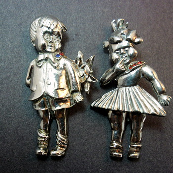 Sweet Boy & Girl Articulated Brooches - Costume Jewelry