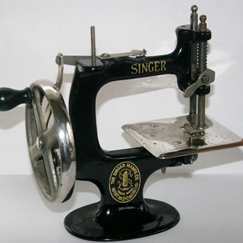 Old Singer Hand Crank Child's Sewing Machine Cast Iron - Sewing
