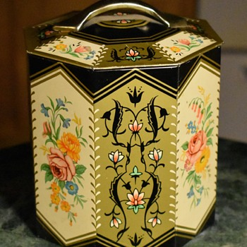 Nice Tin from England - Advertising