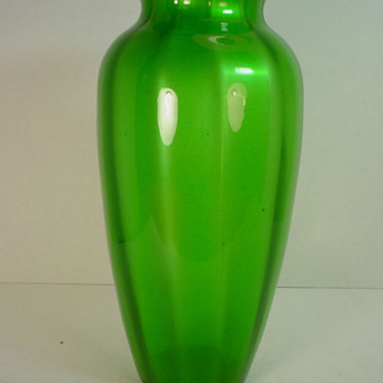 Loetz Grun Metallin Vase c. 1905 - Art Glass