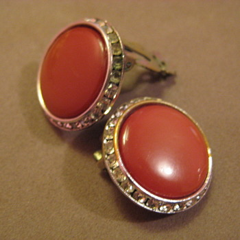 Lisner Clip On EARRINGS Pearlescent Red-Brown Rhinestones Channel style - Costume Jewelry