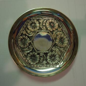 Small silver dish - need info please - Kitchen