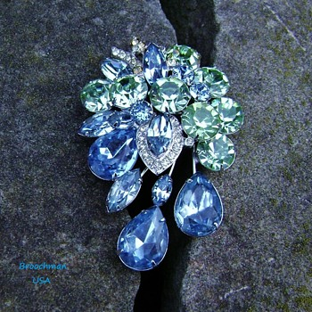 Vintage Eisenberg brooch - Costume Jewelry