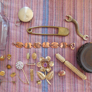 Todays Flea Market Finds, Smalls But Not All :^) - Costume Jewelry