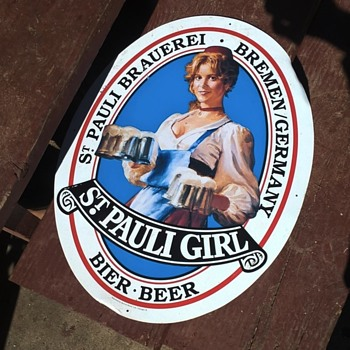at.pauli girl - Breweriana