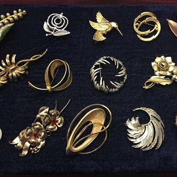 Brooches lot - Costume Jewelry