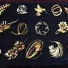 Brooches lot