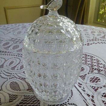Lead Crystal Egg with Bird Candy Dish (Chung- Chung) - Glassware