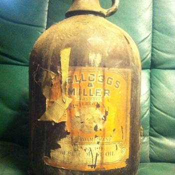 "Old ""Kellogs & Miller"" linseed oil glass jug - Bottles"