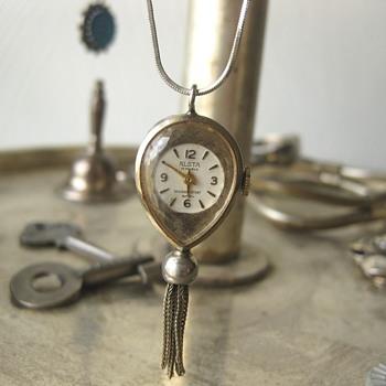 Alsta Teardrop Clock Pendant - Fine Jewelry