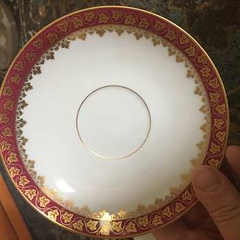 Does anyone know what this set is? - China and Dinnerware
