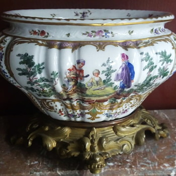 FAKE BY SAMSON  !!! RARE HARD PAST JARDINAIRE IN THE MEISSEN STYLE,MARKS SIMILARS TO HILDESHEIM of 1760, - Pottery